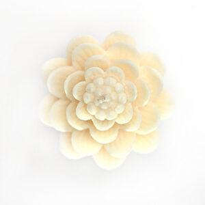 lotus-candle_2-0101
